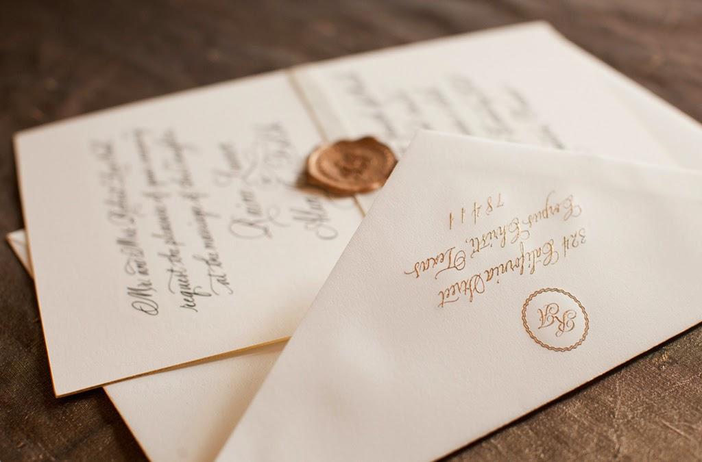 convite-de-casamento-classico-tradicional-monograma-letras-douradas